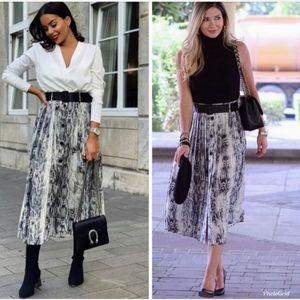 Zara Snakeskin print skirt worn by Queen Letizia